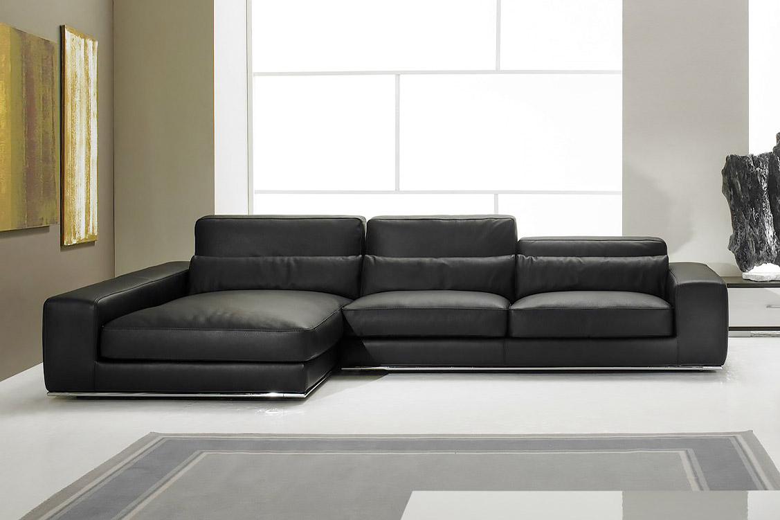 divani angolari in pelle usati