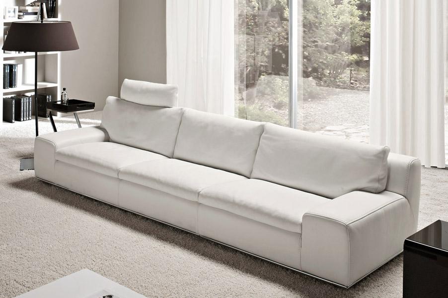 Salotti e divani in offerta nel altamura for Divano 4 posti